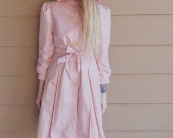 Gorgeous Pearl Pink Vintage Rothschild Hooded and Belted Coat // Women's size XS Petite