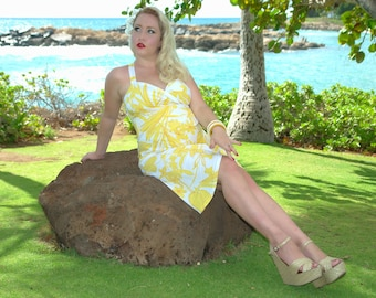 Tiki Maternity Dress in Yellow Hawaiian Print