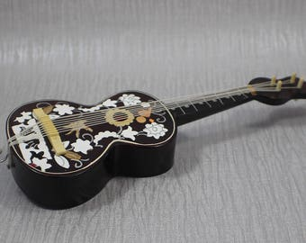 Small Vintage Acoustic Guitar Musical Wind Up Music Box Ornament