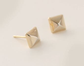 Pyramid Earrings, Pyramid Stud Earrings, Gold Post Earrings, Small Gold Earrings, Geometric Stud Earrings, Tiny Post Earrings, Punk Earrings