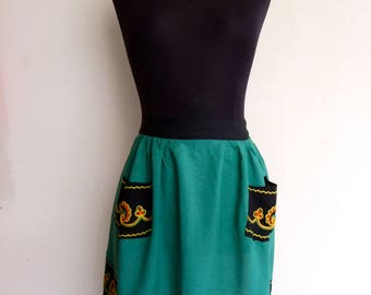 1970s folk embroidered half apron