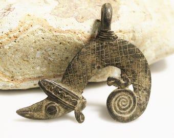 Tribal African Lizard Pendant, Rustic Pendant, Ethnic Jewelry Supplies (*AH130*)