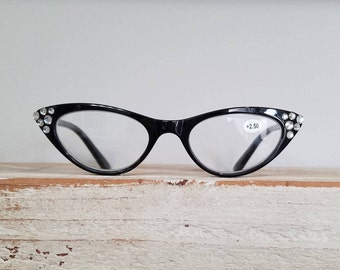 Cat Eye Reading Glasses with genuine Swarovski crystal tip points. +2.50. Retro look - Vintage Style