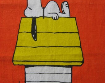 Vintage Snooy Linen Tea Towel, Wall Hanging, 1970's, Bright Orange Snoopy On His Doghouse