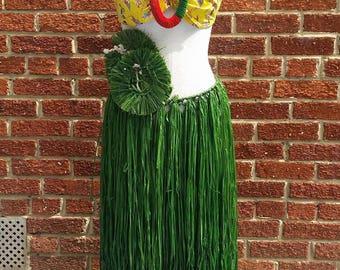Vintage 40s 50s Tiki Hula Girl Costume // Grass Skirt // Hawaiian Souvenir // Pinup Beauty