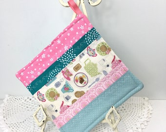 Scrappy Diva Hot Pad - Teatime Cotton Quilted Pot Holder - Cotton Quilted Kitchen Hot Pad - Gifts for Cook