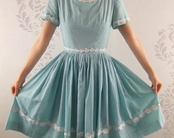 VINTAGE BLUE GINGHAM 1950s Dress Daisy Trim Size Medium