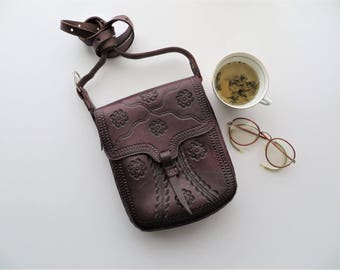 70s Tooled Leather Bag Dark Cherry Chocolate Brown Saddle Satchel Travel Clutch