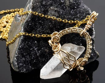 Wire wrapped clear quartz necklace - Quartz point pendant - Clear gemstone pendant - White quartz healing crystal - Healing gemstone jewelry
