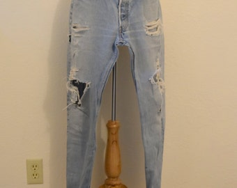 Distressed/ Faded Classic 501 Button Front Levi Denim Jeans / Boyfriend Jeans / Baggy Jeans - 34 X 31 / Medium