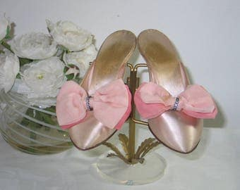 VTG 1940s DANIEL GREEN Pink Satin Boudoir Slippers-Silk Chiffon Bow w/Rhinstone Center