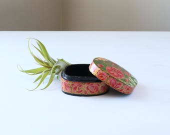 Vintage trinket box, small pink box with lid