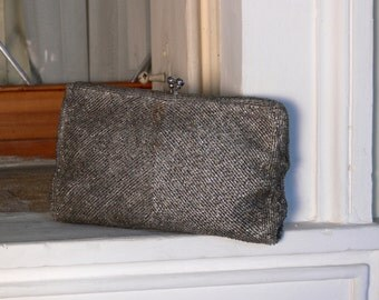 1930s Vintage clutch with silver beads