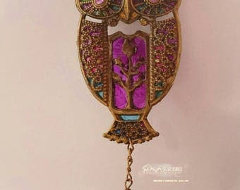 Tiffin hoot window hanging sun catcher with stain glass effect