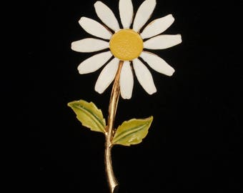 Accessocraft Daisy Flower Pin Vintage