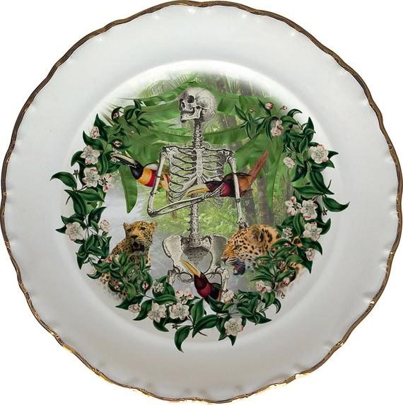 Jungle bones - Skull - Vintage Porcelain Plate - #0438