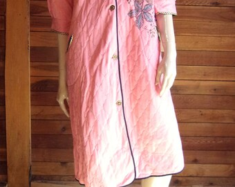 Vintage Lingerie 1960s DREAMWEAR Pink Size 14 Quilted Robe or Housecoat