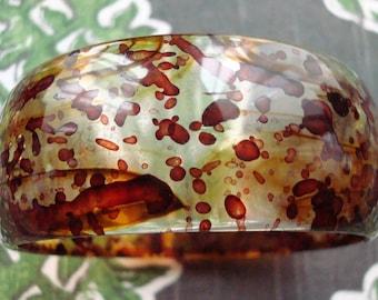 Vintage Plastic Amber Spattered Bracelet - Lightweight - Excellent Condition!!