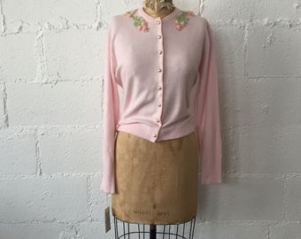1950s Soft Pink Cardigan // 50s Cardigan with Flowers and Pearls // Vintage 1950s Pink Crew Neck Sweater