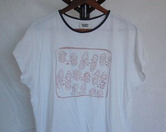 """Thrifted Sleepy Jones Brand Tee // Original """"Melted"""" Screen Print Design on Front in Light Pink Ink // Size XSmall // White, Navy Blue Trim"""