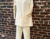 1970s White Pantsuit / 70s / Zip Front Tunic / Mock Collar / High Waist Pants / Eggshell White / Women's Leisure Suit  / Size Small.