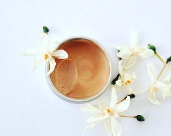 Moon Dew Highlighter. Organic botanical highlighter. Plantbased makeup.