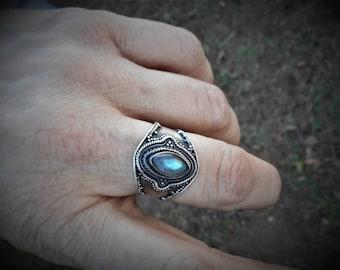 Labradorite ring, labradorite rings,size 9 ring,labradorite jewelry,blue ring,spectralite ring, oxidized ring, blue labradorite ring ring,