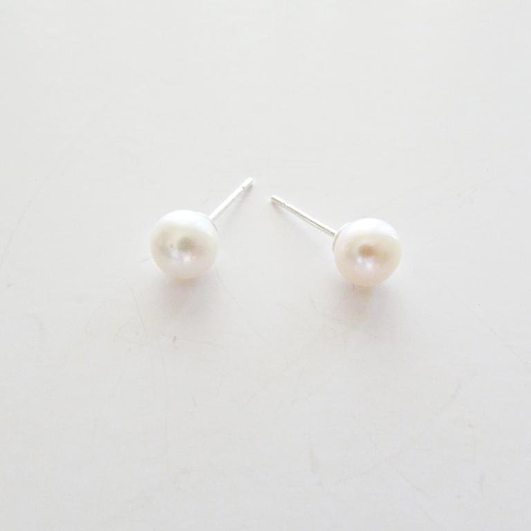 tiny pearl stud earrings classic ivory white pearl sterling