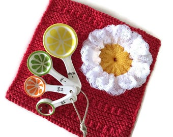 Daisy Dish Scrubbie, Dishcloth,Measuring Spoon Gift Set,1 Daisy Scrubber,Citrus Measuring Spoons & 1 Cotton Hand-Knit Dishcloth,Gift for Her