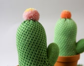 Knitted cactus with pot - Use as decoration and pincushion