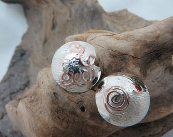 Earrings set in sterling silver and copper
