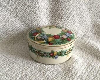 Mikasa Christmas Bouquet Round Porcelain Box, Mikasa Lidded Candy Dish, Japan, Christmas Lidded Box, Porcelain Trinket Box, Treasure Box