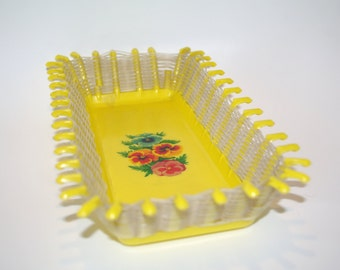 Soviet plastic basket Polish yellow bread basket fruit Floral plastic bowl Braided bowls Vintage basket Lace basket Apple basket fruit tray