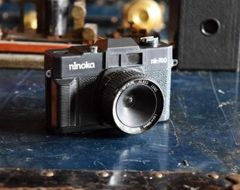 Ninoka nk-700 Film Camera - 50mm Lens - Vintage - Battery Powered - Made in Taiwan