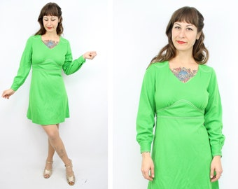 Vintage 70's Vibrant Green Mini Dress / 1970's Long Sleeve Dress / Babydoll Mini Dress / Women's Size Small