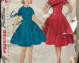 Simplicity 4748 - 1950s Girl's Dress with Empire Waist and Detachable Collar and Cuffs - Size 12 Bust 30