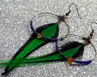 Creole earrings pearls and feathers dark-green blue orange