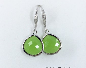 Apple Green Glass Drop Earrings, Bridesmaids Earrings, Apple Green Earrings, Bridesmaids Gift, Bridal Party Gifts, Wedding Jewelry
