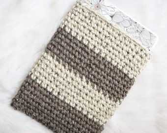 Brown Laptop Sleeve - Knit Laptop Cozy - Chunky Knitted Crochet Brown Beige Two-Color Macbook Air/Pro Case