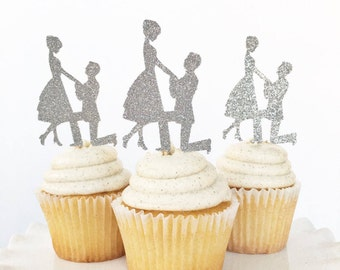 Engagement Cake Topper / Engaged Couple Cupcake Toppers / Proposal / She Said Yes /We're Engaged / Engagement Party / Dessert Table Decor