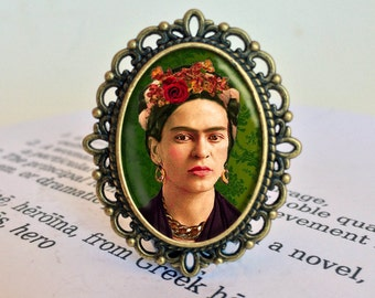 Frida Brooch - Frida Jewelry, Feminist Gift, Gift for Girlfriend, Frida Icon Brooch, Mexican Artist Brooch, Vintage  Frida Jewellery