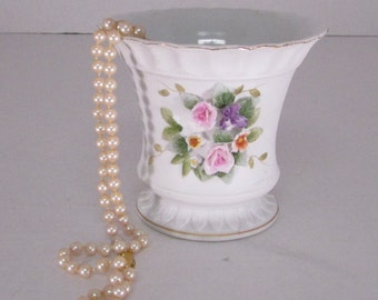 Vintage Lefton China vase hand painted flowers adorn front great condition