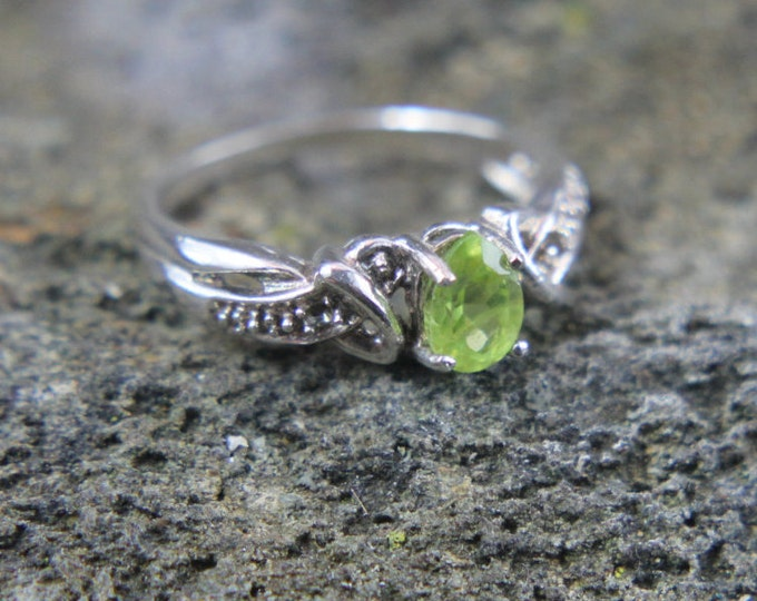 Sterling Silver Pear Cut Lime Green Peridot Gemstone Ring Size 6, Fancy Fashion Ring, Ladies Jewelry, August Birthstone, Gift for Her