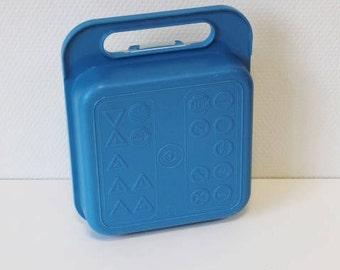 Tupperware picnic, vintage tupperware, blue tupperware box, plastic picnic box, retro camping, vintage camping,