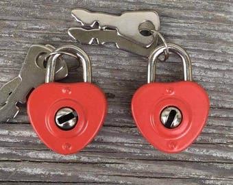 Tiny heart padlock w Key! Working padlock clasp /charm / pendant. Miniature Red Enamel paint. Vintage  DIY jewelry making supplies lock A2