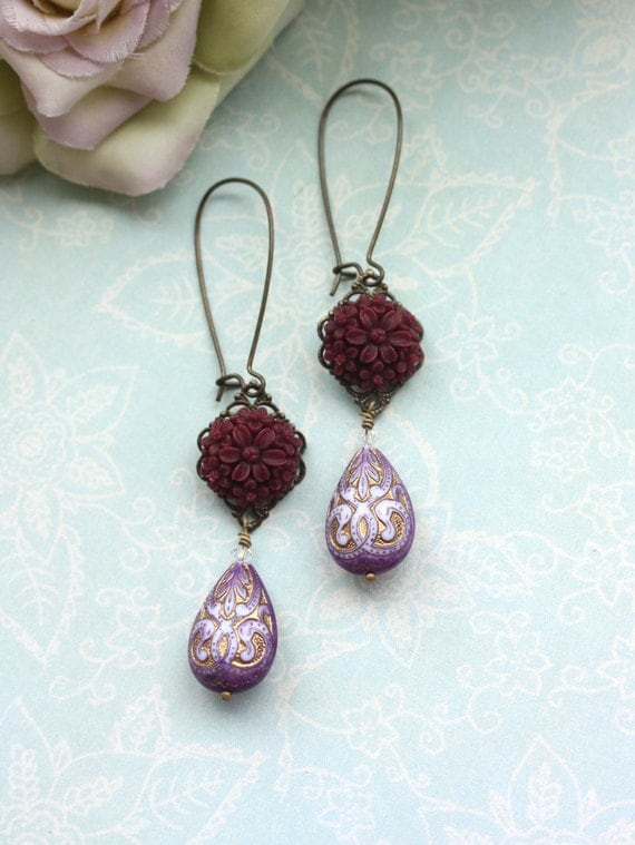 Maroon Red Earrings Floral Bouquet, Light Purple Violet Gold Inlaid Ornate Lucite Beads Earrings. Maid of Honor. Bridesmaid Gifts.