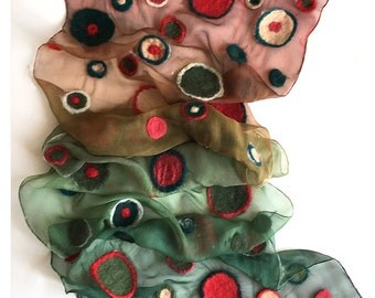 Nuno Felted silk chiffon scarf in green red gradation. Ombre scarf with felted dots, dots scarf, geometric scarf transitional scarf gift mom