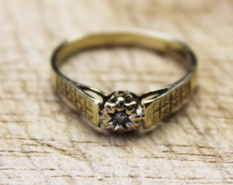 Vintage Ladies Diamond Solitaire Ring Gypsy Wedding Engagement 9ct 9k Yellow Gold | FREE SHIPPING | Size O.5 / 7.5