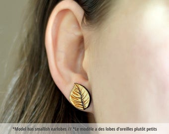 Wood tree leaf studs. With sterling silver or stainless steel posts. Wood leaf earrings, leaf jewelry, nature jewelry, wood nature earrings