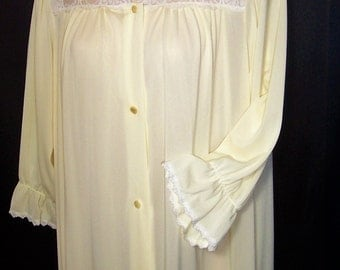 Size Small - Vintage Robe - from Shadowline - Peignoir - Dressing Gown - Yellow - Below Knee Length - Nylon - Made in USA